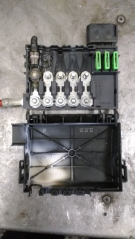 Melted fuse box, VW.